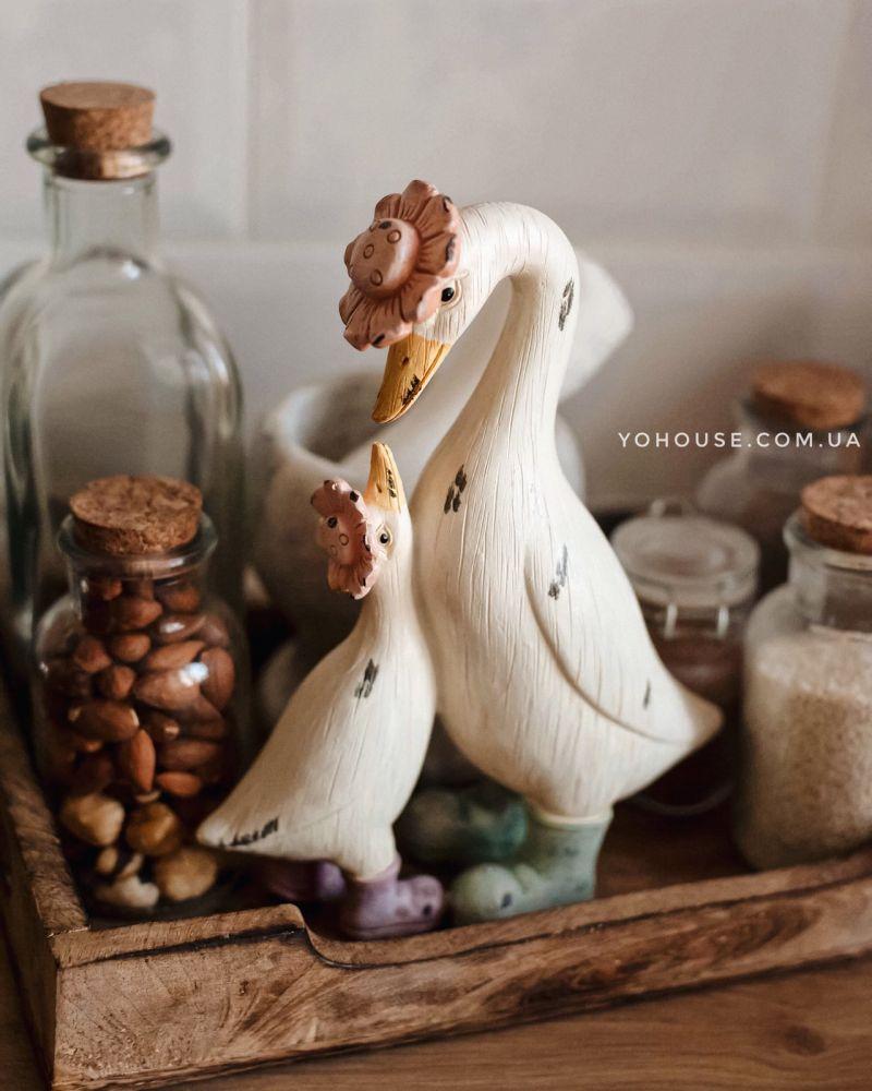 Декоративна фігурка Гуска з гусеням