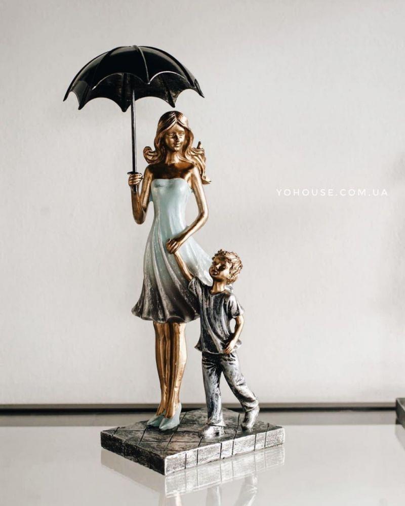 Фігурка Мама з хлопчиком