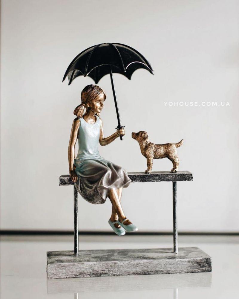Фігурка Дівчина з собачкою